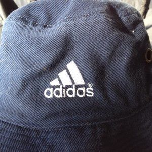 Navy/White Adidas bucket hat Small/Medium S/M